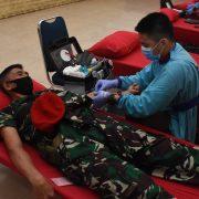 Bantu Stok Darah RSPAD Gatot Soebroto , Prajurit Kopassus Donor Darah